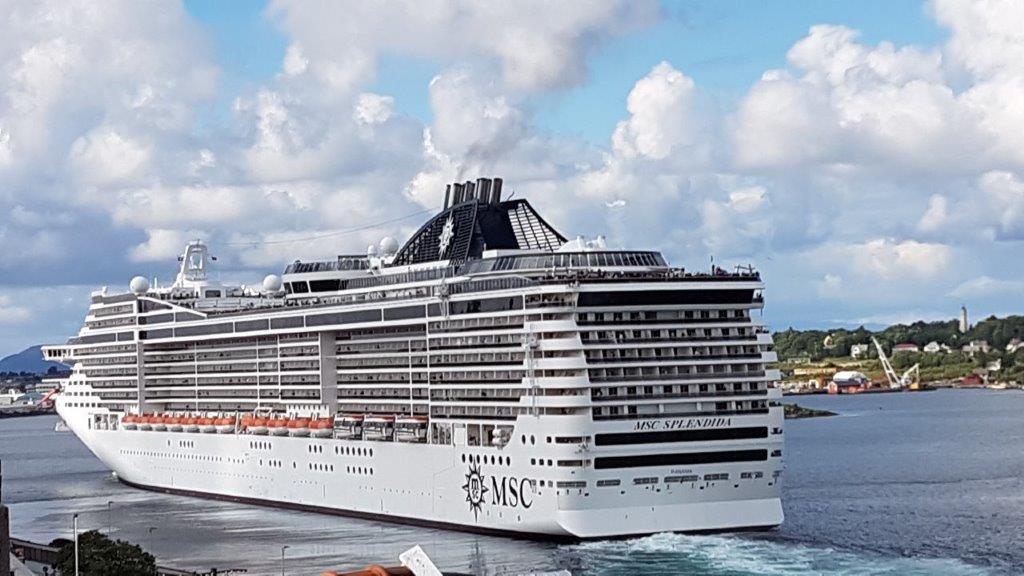 MSC Fantasias prikklike søsterskip ivar i Stavanger i fjor