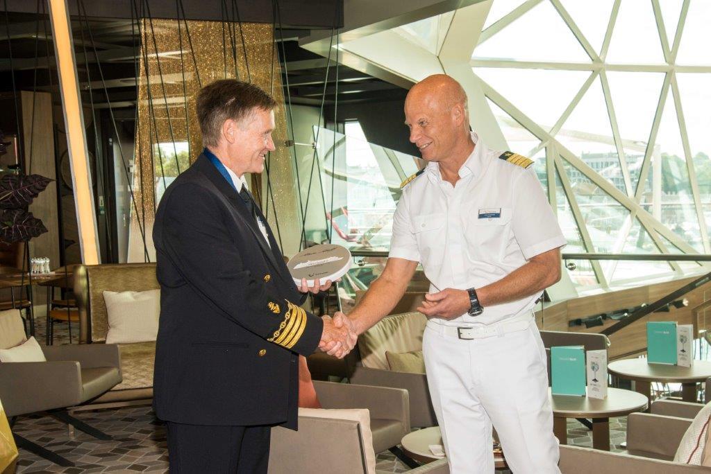 Sikkerhetssjef Arvid B. Nygaard og kaptein Todd Burgmann. Foto TUI Cruises